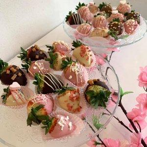 Chocolade aardbeien 4 stuks